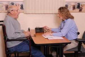 speech-therapist-and-senior